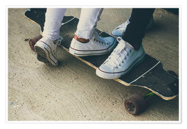 Premium poster Feet of two teenagers on skateboard