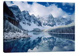 Canvas print  Moraine lake in Canada - Alan Majchrowicz