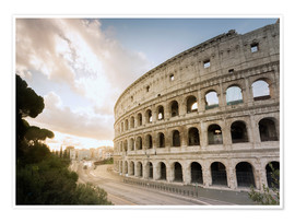 Premium poster  The lights of the sunrise frame the ancient Coliseum - Roberto Moiola